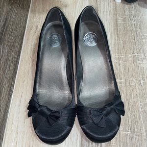 "So Satin Bow Tie Round Toe 2"" heels sz9.5"